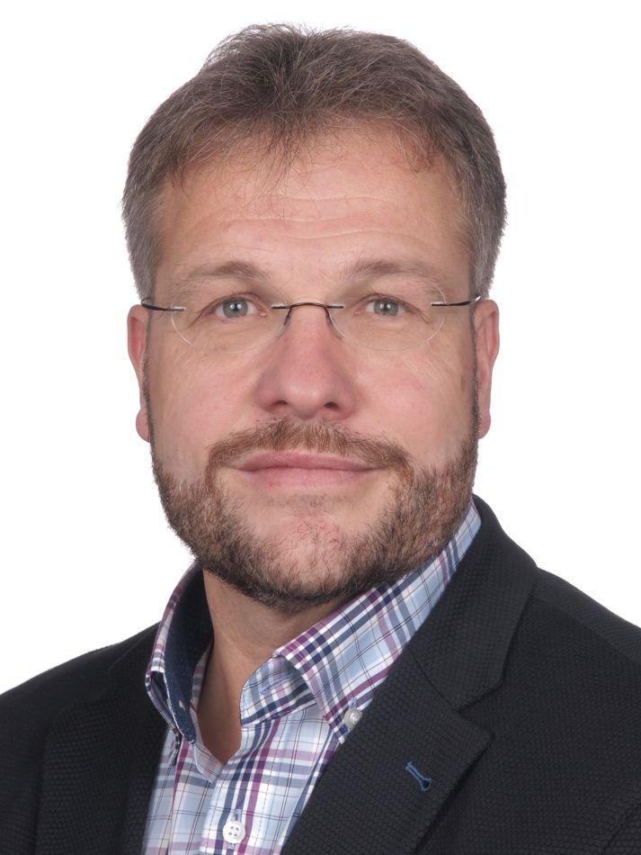 Bereichsleiter Arbeit und Bildung: Wolfgang Lutz